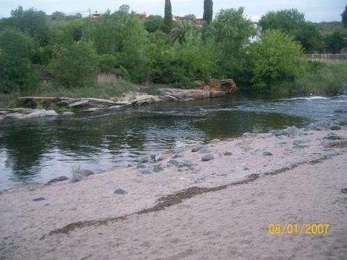 Cabaña muy linda con bajada directa al rio