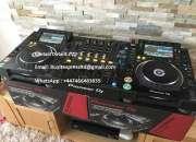 2 x PIONEER CDJ-2000NXS2  y 1 x DJM-900NXS2 DJ Mixer costó $3000USD