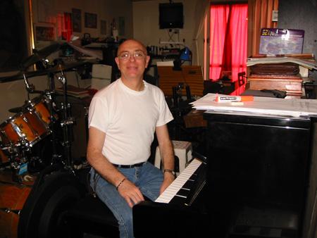 Clases de piano teclados y bateria en caballito en estudio y tambien on line