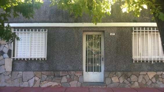 Vendo casa en bº belgrano (santa fe, capital) 3424449600