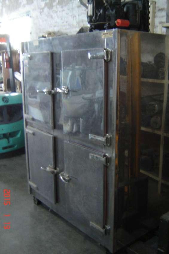 Vendo heladera comercial con motor 4 puertas en acero inoxidable $10.000
