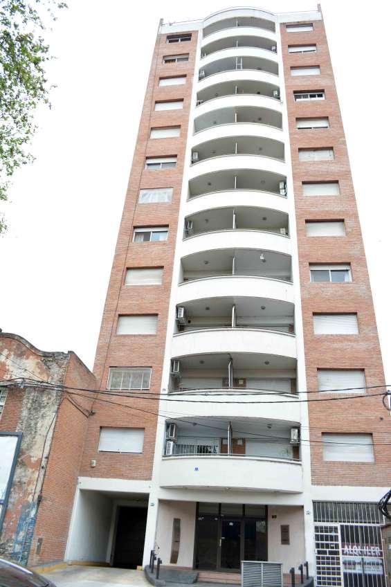 Dueño vende departamento 1 dormitorio zona facultad de medicina
