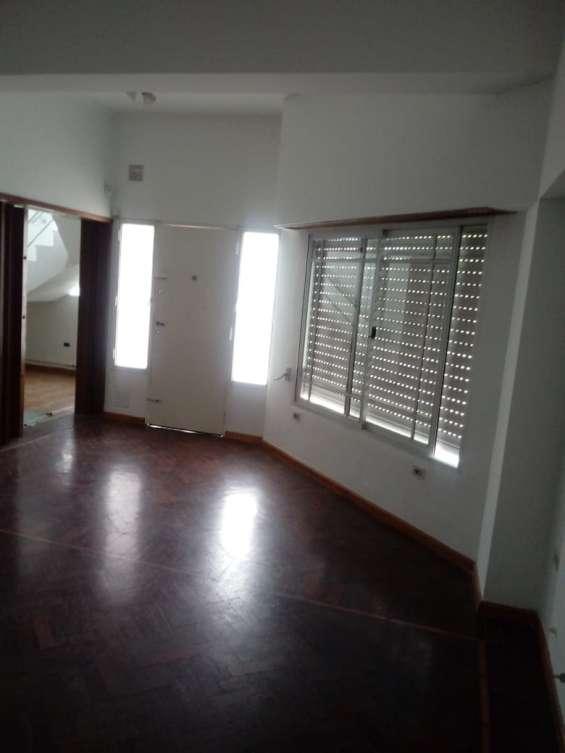 Fotos de Casa 2 pisos con cochera 3