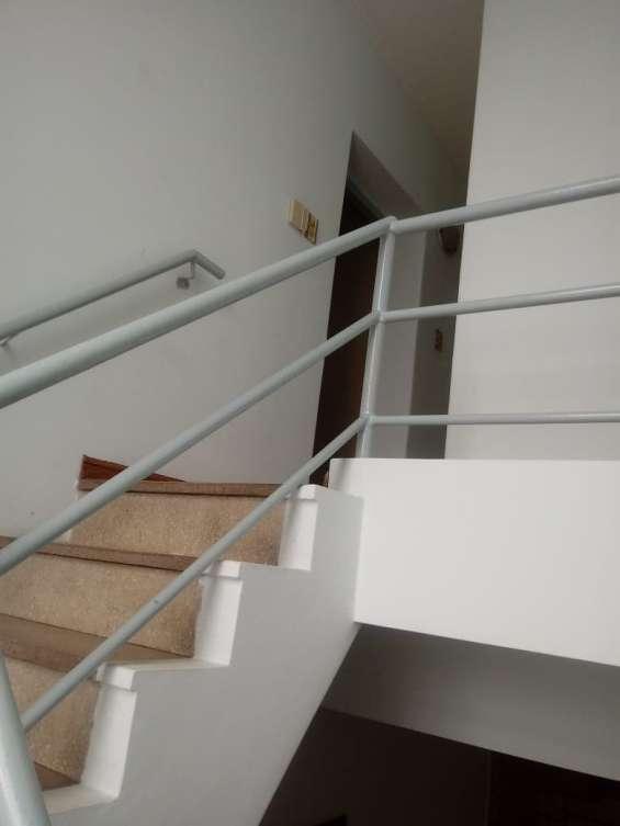 Fotos de Casa 2 pisos con cochera 10