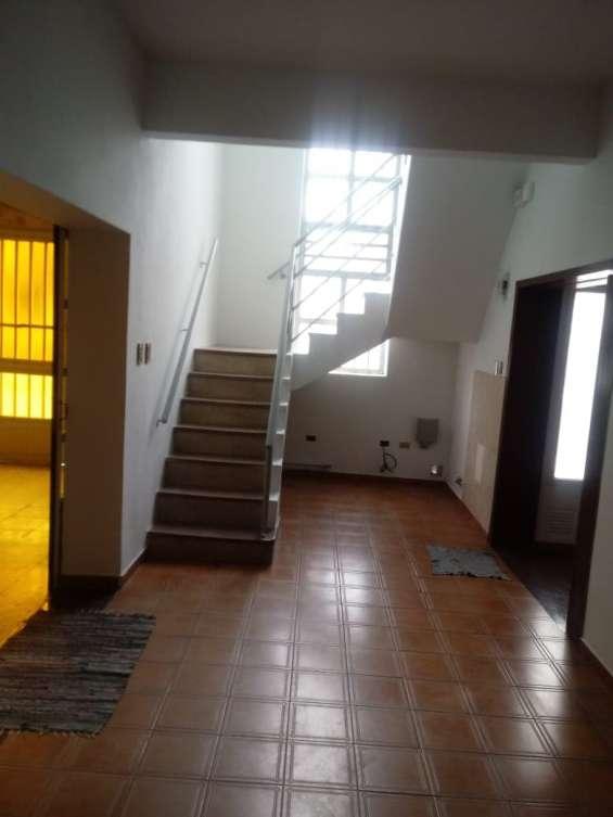 Fotos de Casa 2 pisos con cochera 5