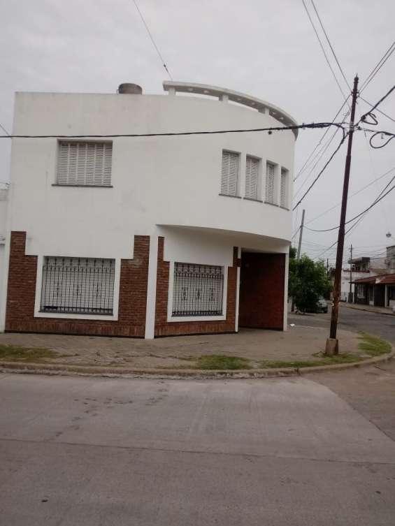 Fotos de Casa 2 pisos con cochera 2