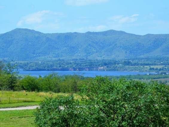 Terreno y vista del lago los molinos