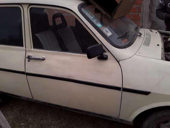 Renault 12 andando con gnc