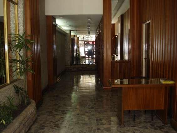 Palier de entrada al edificio.