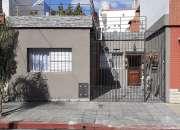 Muy linda Casa 3 ambientes con Entrada de auto - Zona Villa Luzuriaga - Consulte !!!
